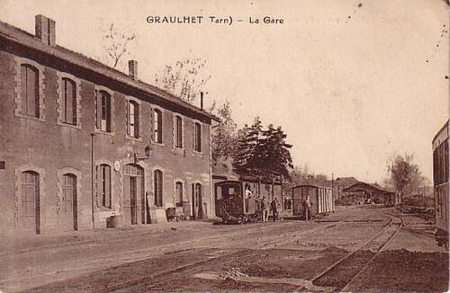 La démolition de l'ancienne gare a commencé....les photos