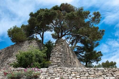 Bonnieux ( Vaucluse )