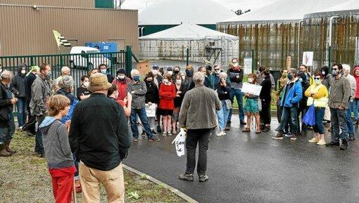 Une soixantaine de manifestants s'est regroupée, samedi après-midi, devant l'usine de méthanisation de Coatiborn. Ils contestent le principe même de cette technique impliquant de «produire toujours p