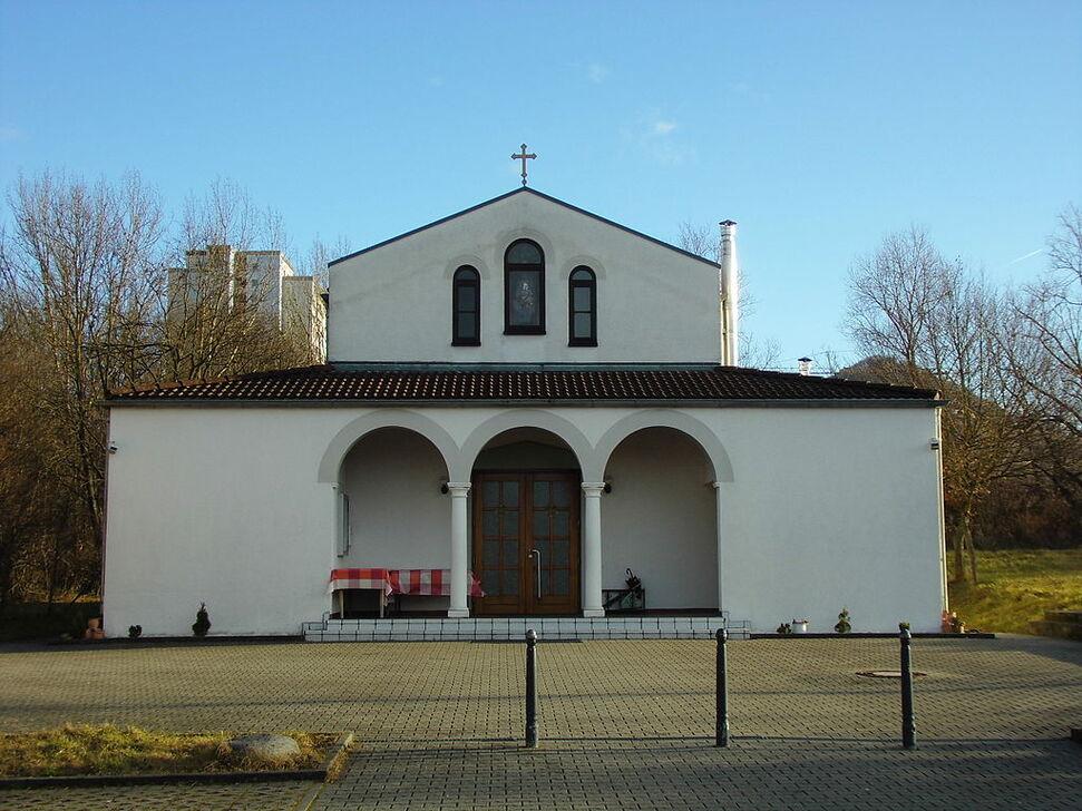 Griechisch-Orthodoxe Kirche der Entschlafung der Gottesmutter und des Hl. Johannes des Vorläufers zu Reutlingen 03.JPG