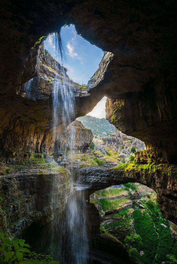 Gouffre de Baatara, dit des « Trois Ponts », au Liban