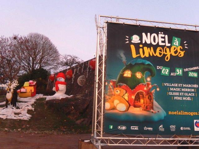 Limoges: Oh,  oh , ooh.... le Pére Noël et ses rênes en pose