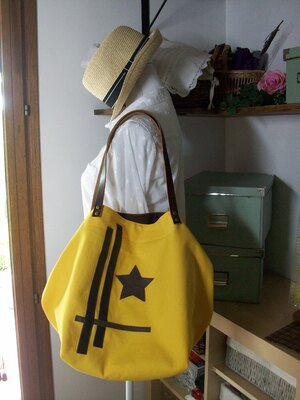 Cabas en coton épais jaune soleil avec morceaux de cuir !