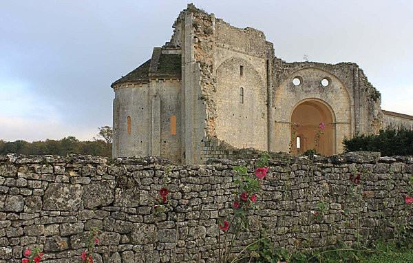 abbaye de trizay -7-