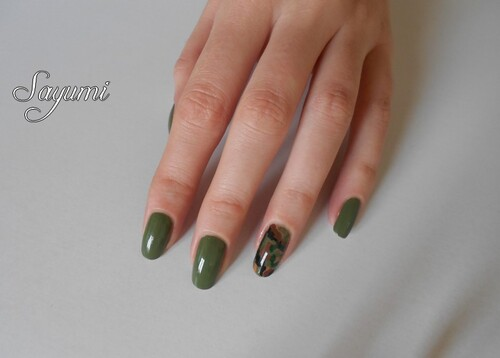 Army Nail Art - Militaire Accent Nail