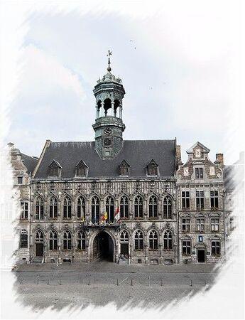 459px_Hotel_de_ville_de_Mons