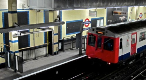 Londres métro affiche vide noire 6