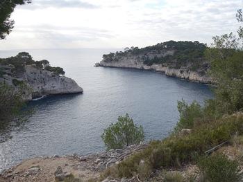 L'embouchure de Port-Miou vue du GR