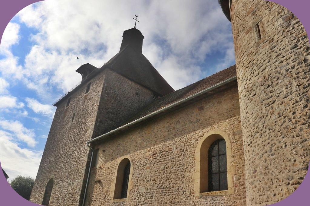 MANLAY  CÔTE D'OR (L'ÉGLISE FORTIFIÉE)
