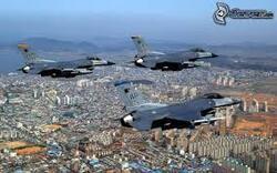 Wolu1200 : Vent de panique à cause de quatre F-16 qui ont survolé Bruxelles à basse altitude