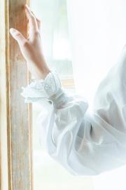 Chemise de nuit en flanelle blanche style victorienne