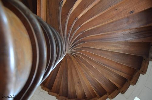 ... bel escalier...