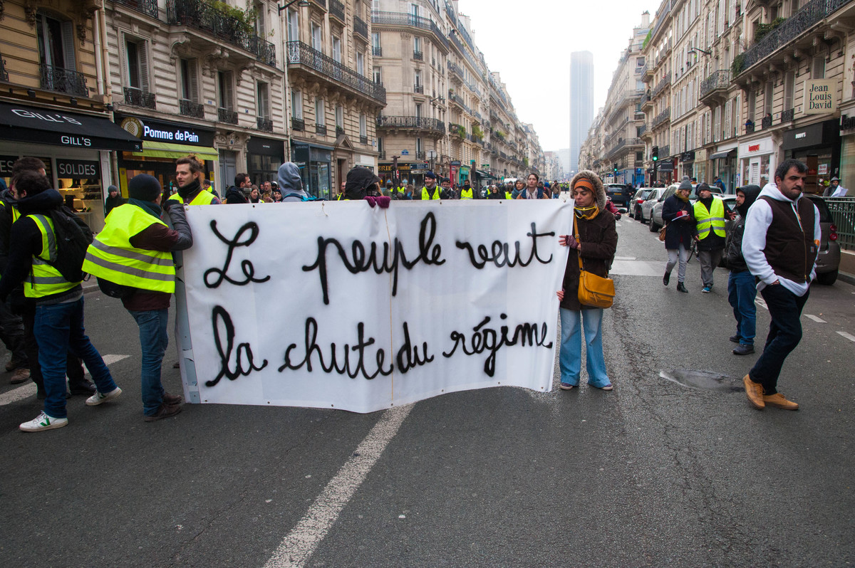 Les manifestants veulent un changement profond de la société et de son organisation - © Reflets