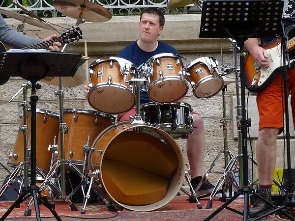 Premier concert estival au kiosque du jardin de la Mairie...