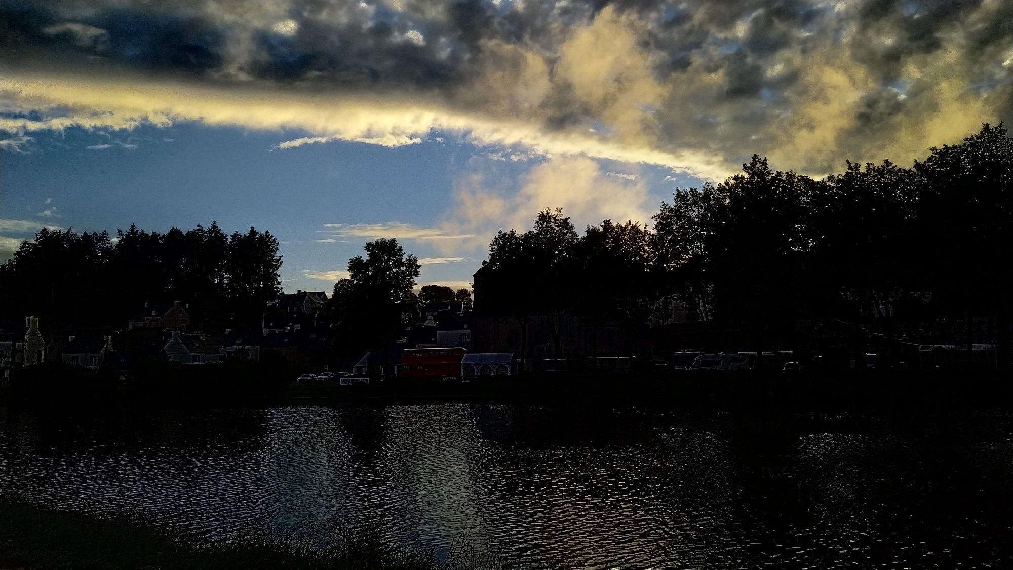 une série de nuages +++