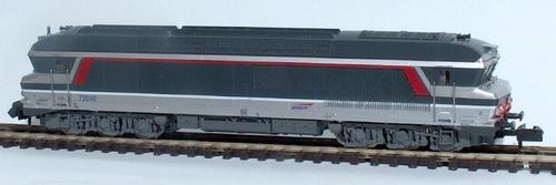 La CC 72040, en livrée multiservice rouge