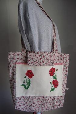 Des sacs aux couleurs du printemps.
