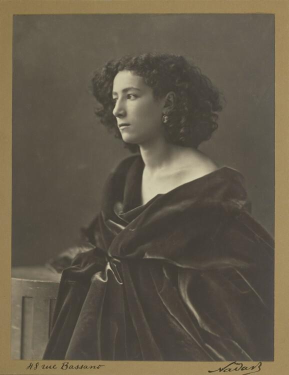 Nadar-Portrait-Sarah-Bernhardt