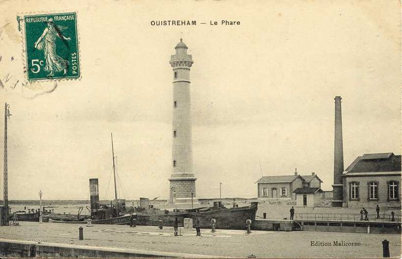Fichier:OUISTREH-le-phare.JPG