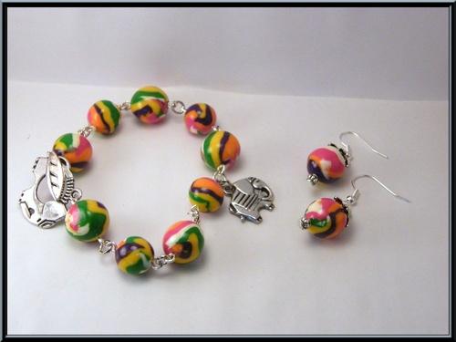 Parure bracelet/boucles d'oreille perle fimo.