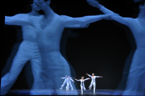 Lucinda Childs au Théâtre de La Ville hier soir.