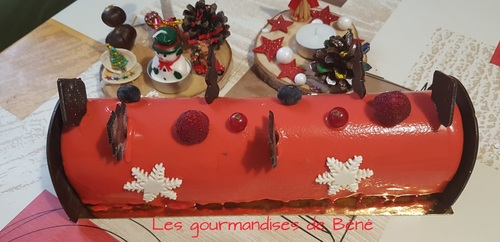 Bûche chocolat/fruits rouges