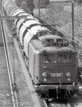 La BB 8157 descend vers Avignon