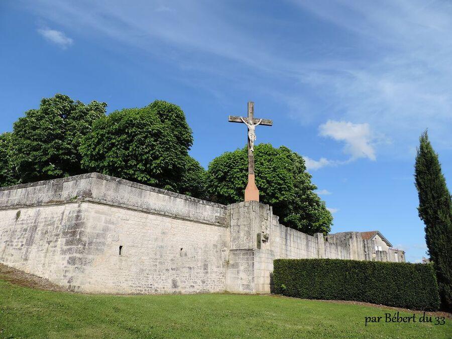 l'ancienne église Saint Nicolas de Bassac dept (16)