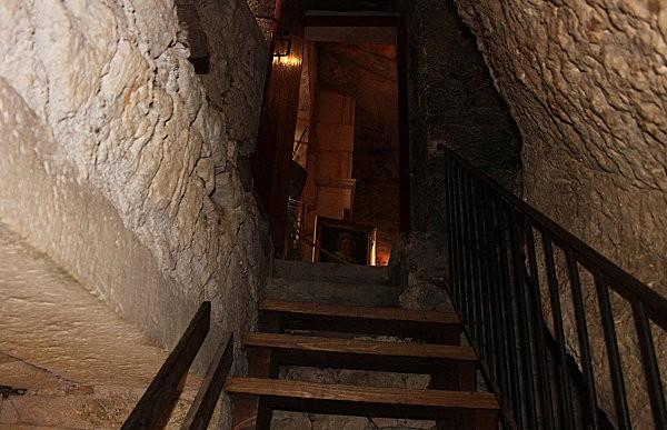la maison forte de reignac -57-