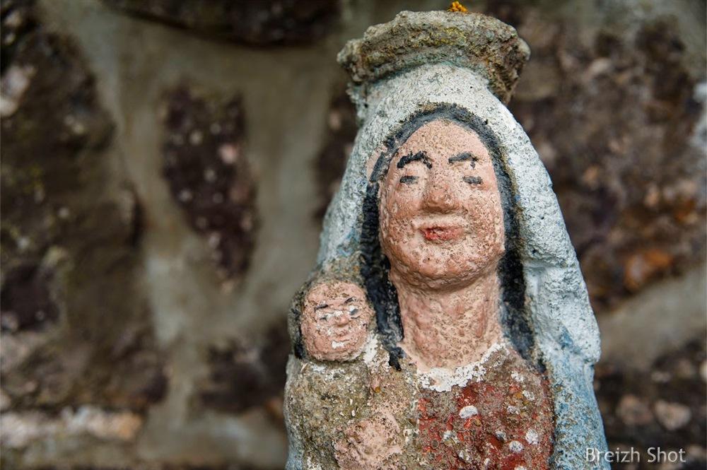 Notre-Dame du Chêne - Statue de l'oratoire