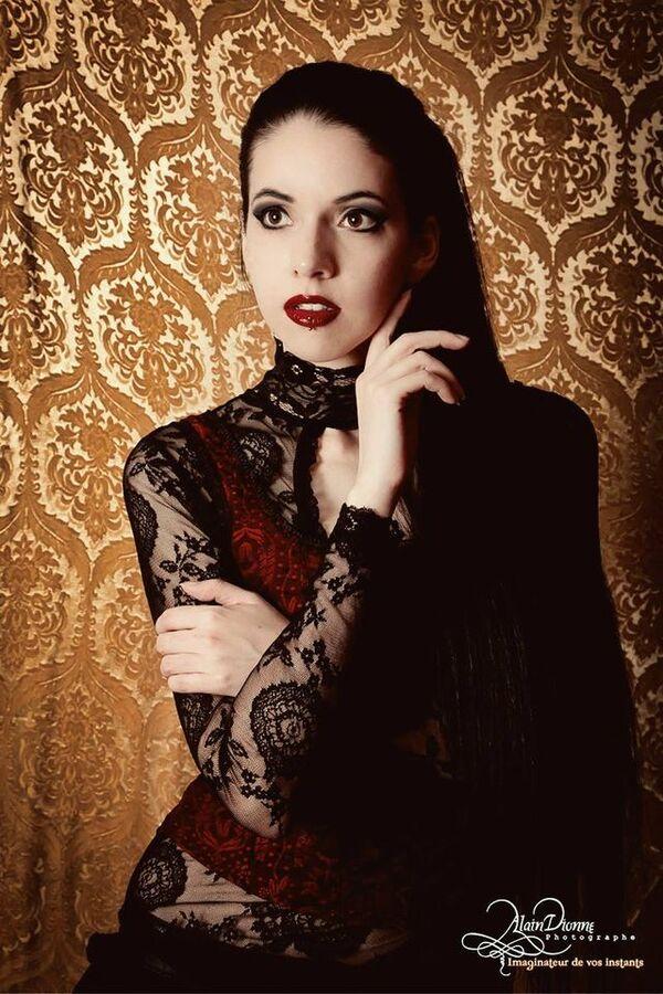 Mademoiselle Black, modèle