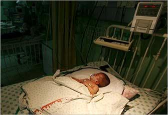 أطفال غزة يواجهون الموت بسبب الحص