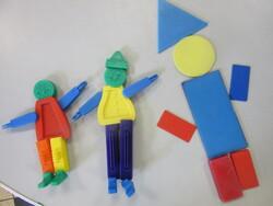 MS/ LE CORPS / formes et jeu de construction ( Flexos) + représentation par le dessin