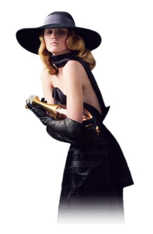 Femme avec chapeau