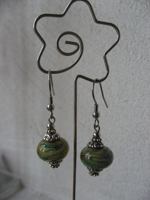 Nouvelles boucles d'oreille - perles en verre filé à la main par une créatrice troyenne