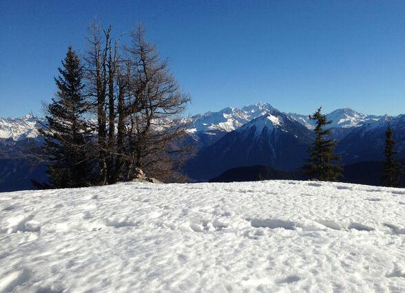 Au bord du chemin... de la neige