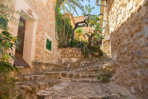 Fornalutz - joli village au dessus de Soller - majorque