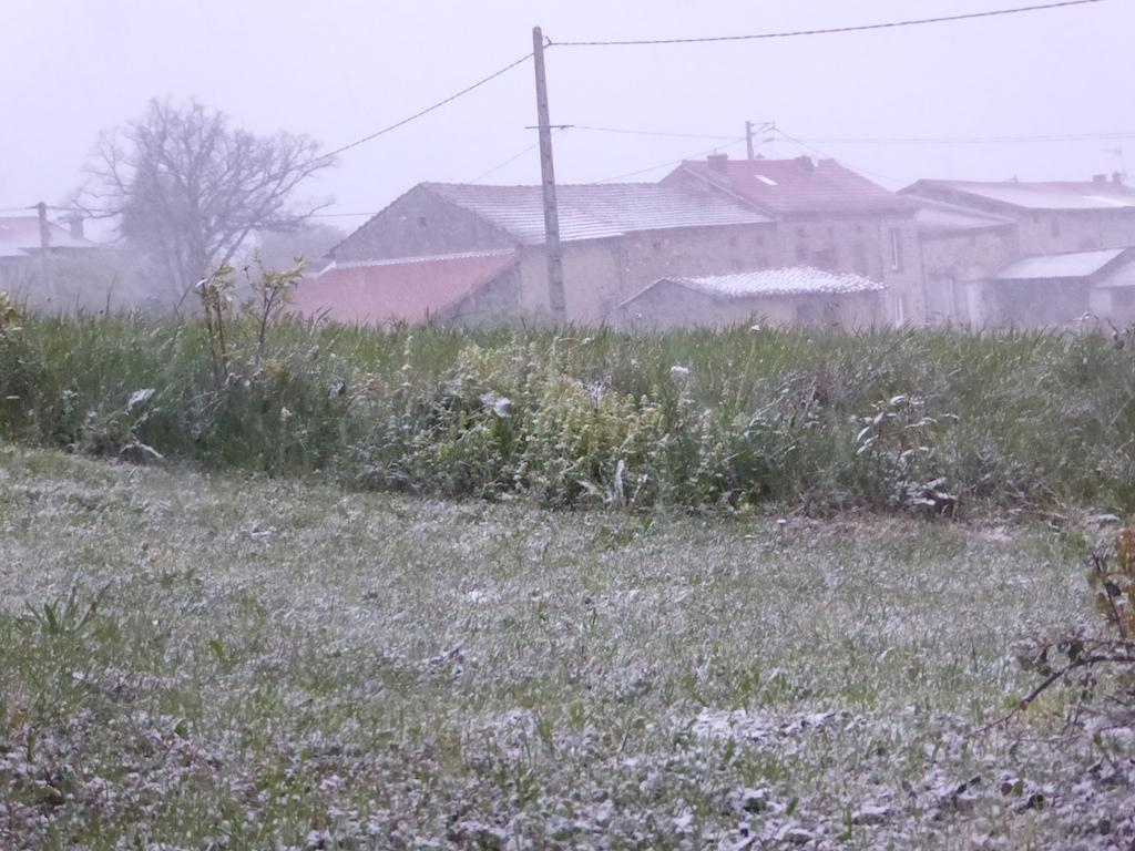 Se chauffer au gîte dans il neige!