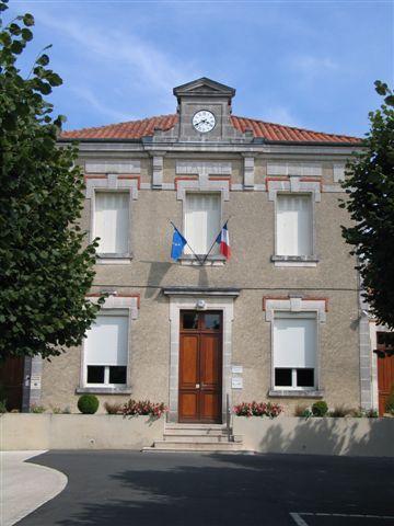 Mairie Sainte Sévère.JPG