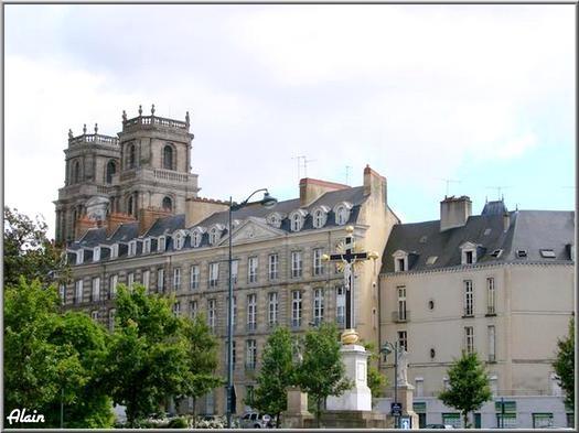 Place_de_la_Mission_1