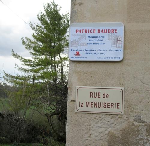 """Patrice Baudry, Maître-Artisan Ebéniste à Origny sur Seine a fait visiter son atelier """"Bonheur du jour"""""""