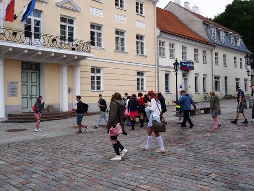 """Tartu, seconde ville d'Estonie: autour de la mairie et de son """"baiser"""" (photos)"""