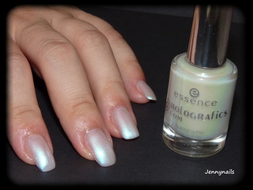 - Swatch - ESSENCE : Prism@tic white