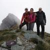 Au sommet du pic Hourquette Nord-Ouest (2384 m) le sommet Sud-Est dans le dos