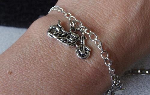 Bracelet biker avec harley et étoiles