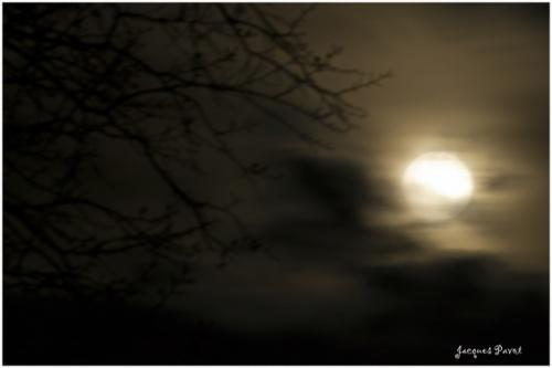 - Une nuit au pied du mont Ventoux