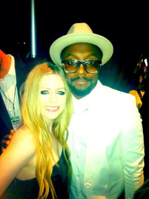 Avril Lavigne avec d'autres stars :)
