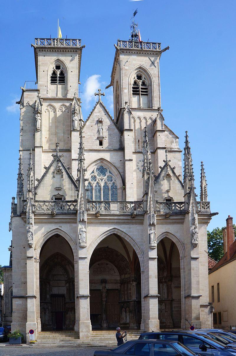 Semur-en-Auxois WLM2016 Collégiale Notre-Dame (Façade).jpg