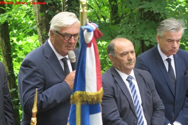 La cérémonie 2018 du souvenir au monument des Fusillés et au monument aux Morts d'Essarois