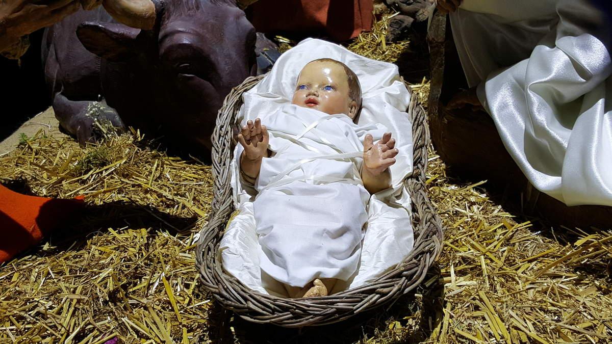 La crèche d'après-Noël à l'église Notre-Dame, à Bordeaux...